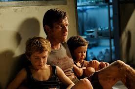 Henry sa dvojicom mlađih sinova nakon tsunamija